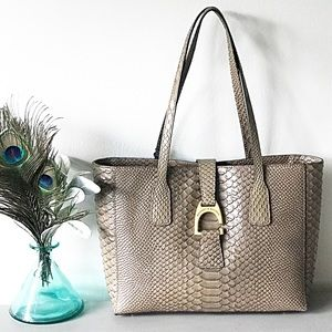 Dooney & Bourke Caldwell Shannon Small Tote